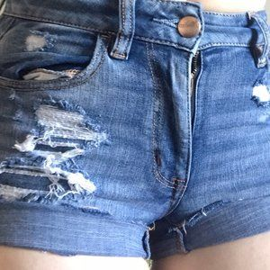 dark washed AMERICAN EAGLE ripped jean shorts